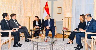 الرئيس السيسي يؤكد أن مصر تسعي للنهوض بصناعة السيارات ..على هامش لقاء ناب رئيس مرسيدس