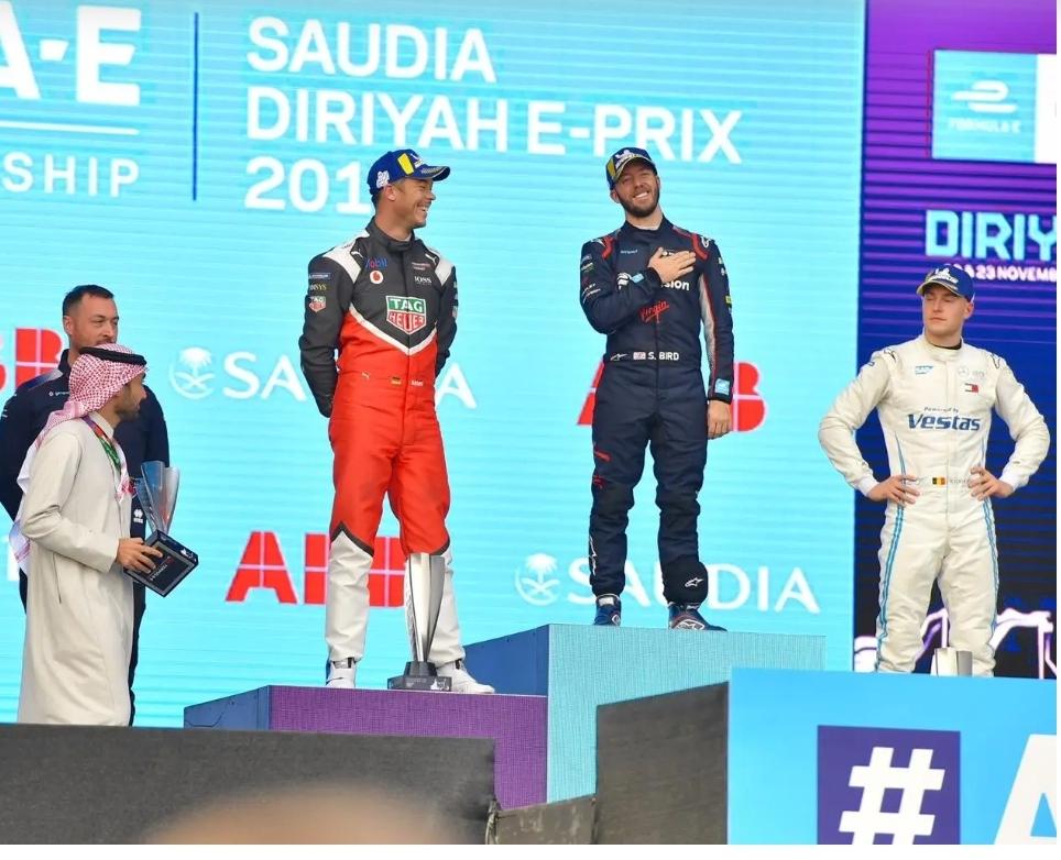 سام بيرد بطلاً للجولة الأولى لسباق الفورمولا إي