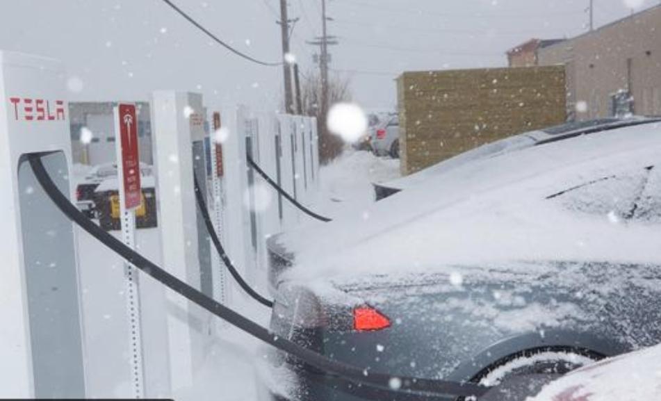 احترس من السيارات الكهربائية في فصل الشتاء