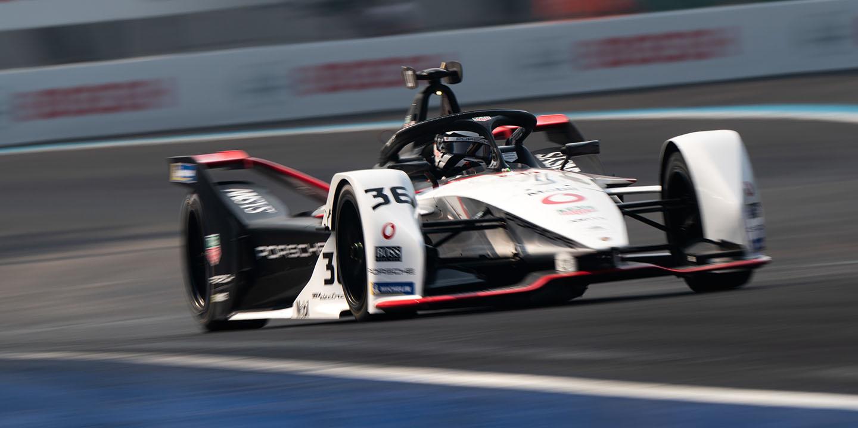 ميتش إيفانز سائق جاجوار يفوز بسباق جائزة المكسيك - الجول الرابعة  في بطولة الفورمولا إي
