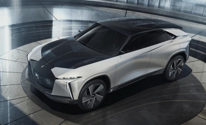 DS تكشف عن سيارتها الكهربائية الإختبارية الأولى Aero Sport Lounge 