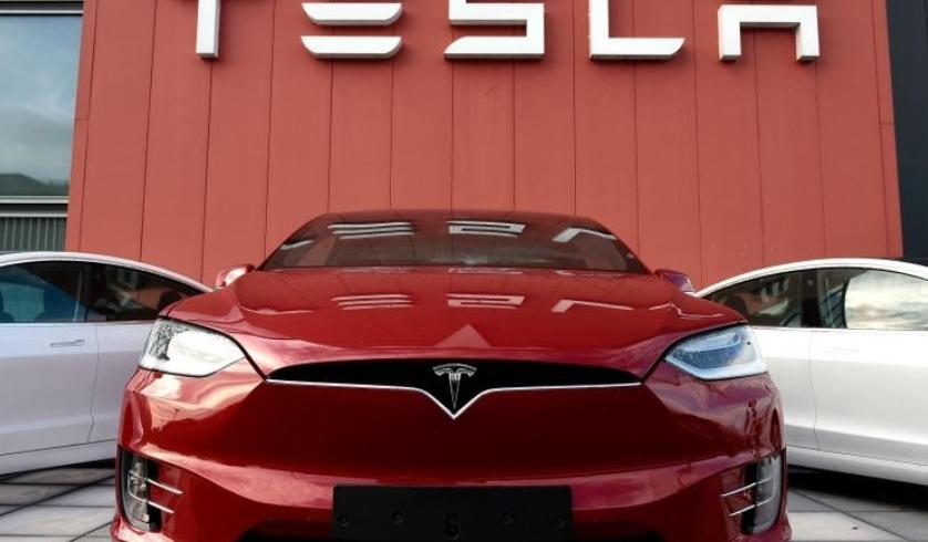 تيسلا تغير مستقبل السيارات