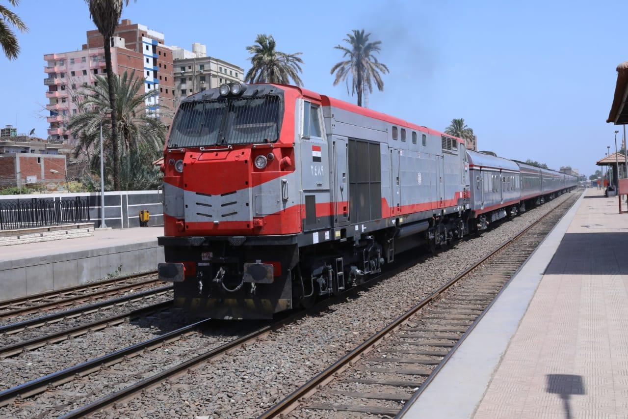 السكة الحديد تنفي زيادة أسعار تذاكر القطارات