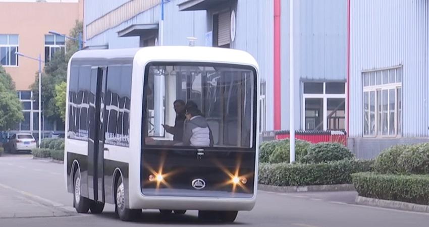 الصين تبدا التشغيل التجريبي لخط الحافلات ذاتية القيادة