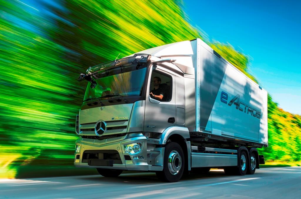 مرسيدس تتجه بقوة أكبر نحو (كهربة) قطاع الشاحنات والباصات لديها