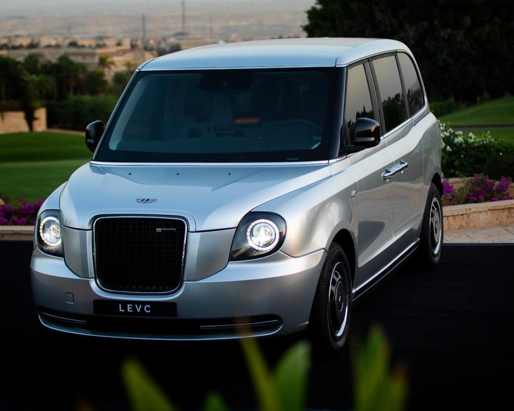 """بالتعاون مع الصانع االنجليزي .C.V.E.L أبو غالي موتورز تطلق  السيارة """"TX """"الكهربائية في مصر"""
