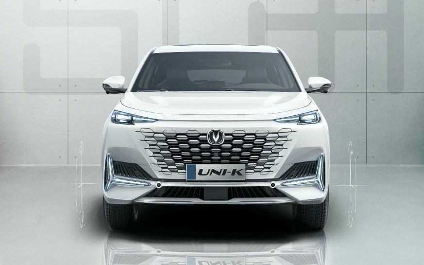 شانجان يوني كيه SUV الجديدة تكشف نفسها