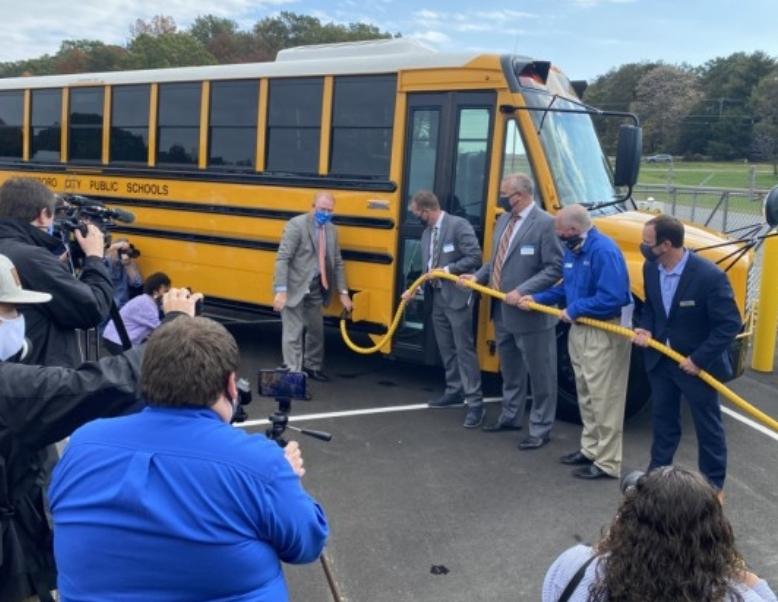 أول حافلات مدرسية كهربائية لفيرجينيا (الولايات المتحدة الأمريكية)