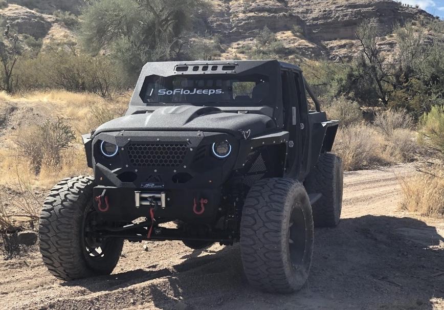 جيب SF 6x6G شاحنة  مخيفه ب 6 عجلات وبقدرة جر 12 ألف رطل