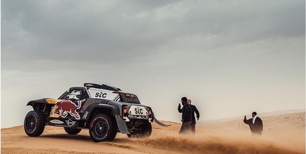 """حصاد داكار"""" بيترانسيل يحسم اللقب في نسخة 2021 ضمن فئة السيارات"""
