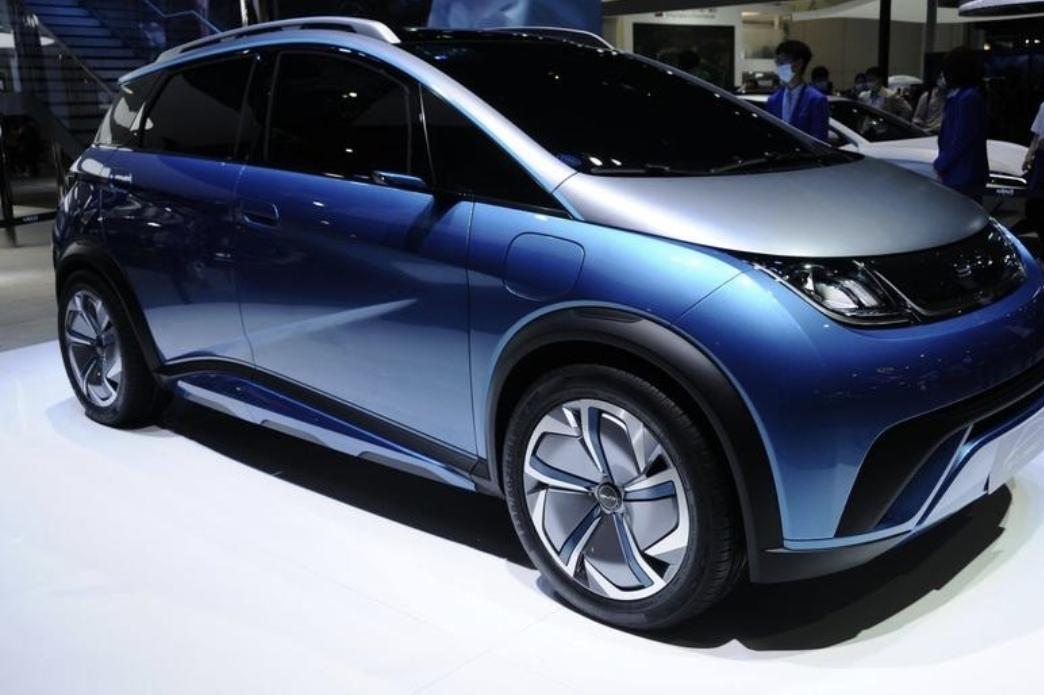 BYD تبهر العالم بتكنولوجيا  السيارات الكهربائية