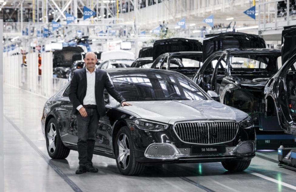 مرسيدس تحتفل بإنتاج السيارة رقم 50 مليون فى مسيرتها