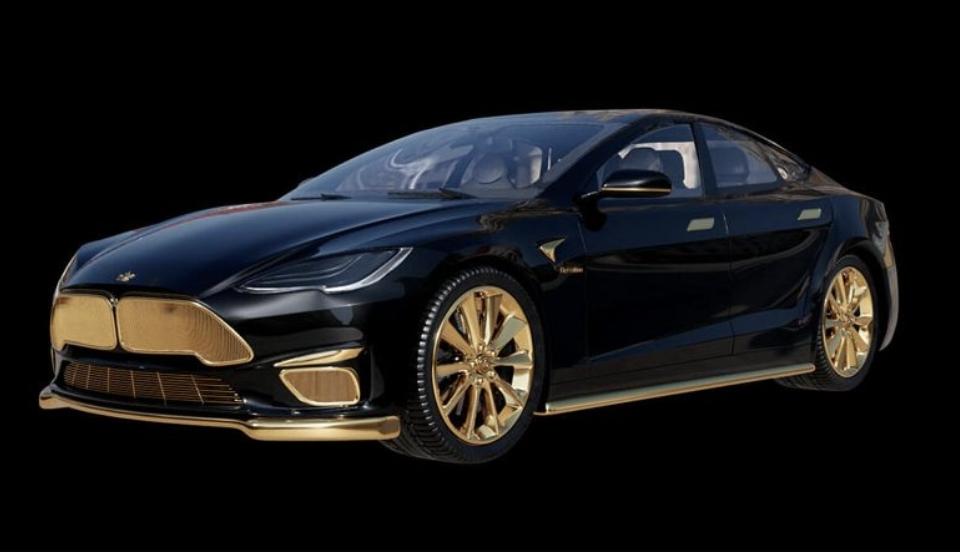 سيارة تيسلا مغطاة بالذهب سعرها 299 الف دولار