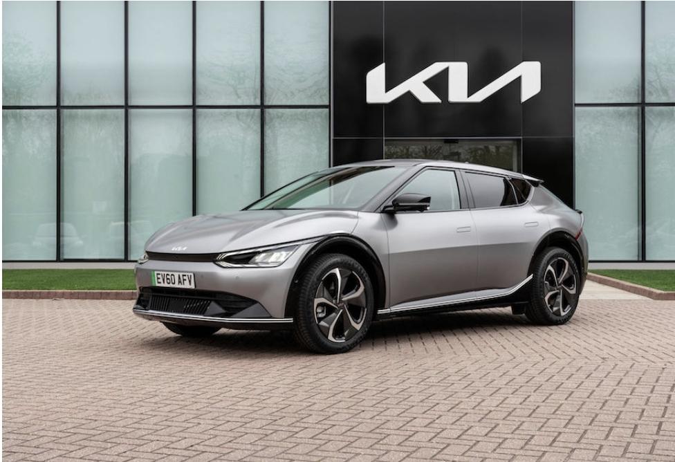 السعر النهائي الحدث سيارة كيا كروس أوفر كهربائية بالكامل