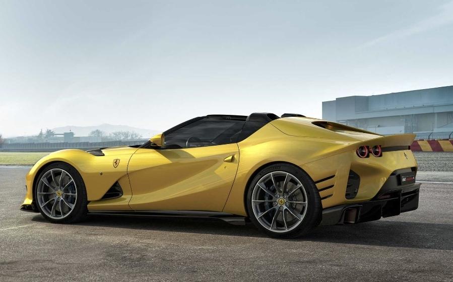 فيراري تطلق موديلات Competizione 812 الجديدة بأقوى محرك V12 في تاريخ العلامة