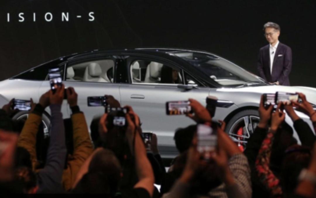 معارض السيارات العالمية بدأت التحدى ...شيكاغو  ولوس انجلوس  في مواعيدهم ولا تأجيل