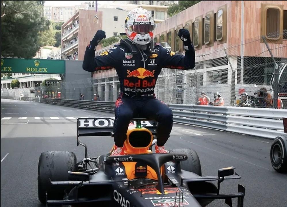 """فيرستابن يفوز بجولة """"موناكو"""" ويتصدر بطولة العالم للسائقين """"مؤقتاً"""""""