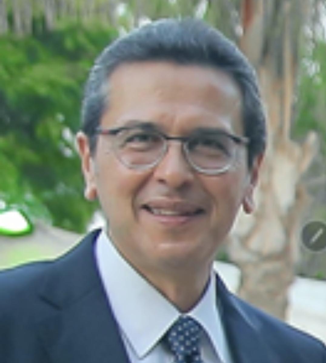الاستشاري ياسر صبري.. يكتب نقص الرقائق الالكترونية