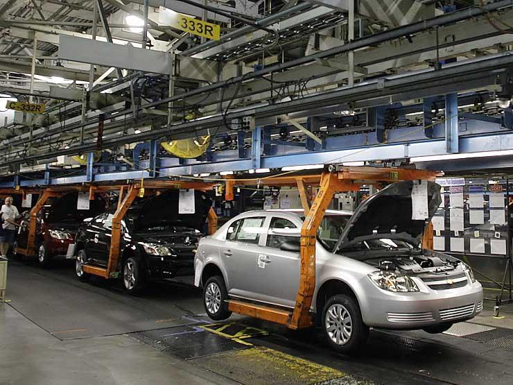 تعليق العمل فى معظم مصانع جنرال موتورز في امريكا