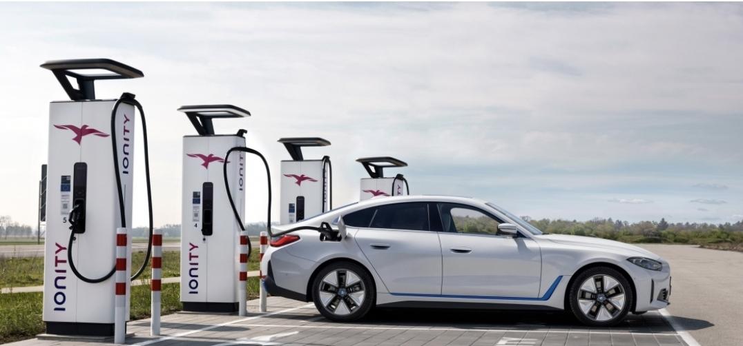 بي ام دبليو تؤكد ان مسافة  600 كيلو عادلة جدا للسيارات الكهربائية
