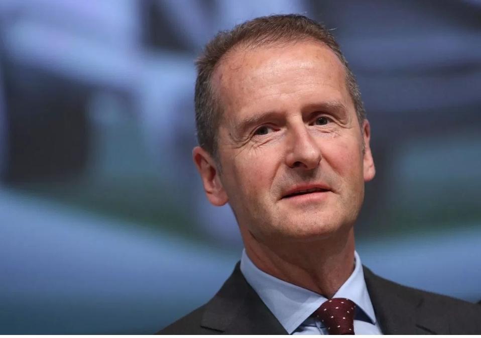 مجلس إدارة شركة فولكس فاجن يدين الرئيس التنفيذي لاستحضاره شعار النازية