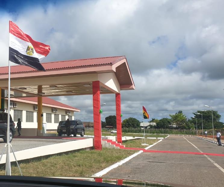 مصر تقوم بتسليم اول مستشفي عالمى التنفيذ لرئيس دولة غانا ..