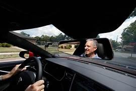 تقنيات يجب توافرها في سيارات السائقين المسنين