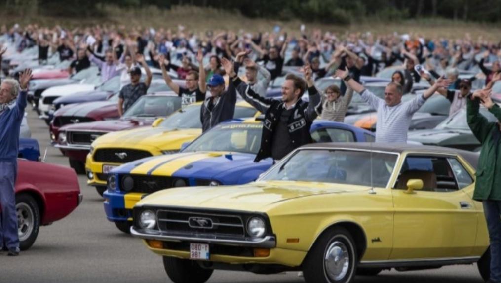 شاهد أكبر تجمع لسيارات فورد موستنج في العالم في مكان واحد