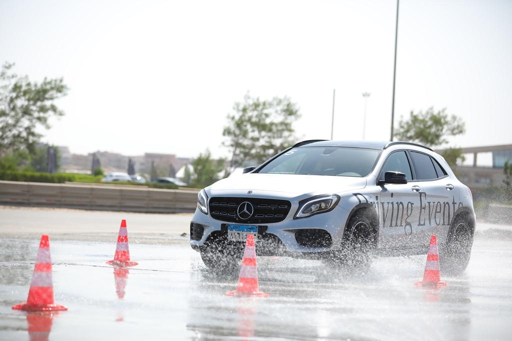 مرسيدس-بنز تنظم تجربة قيادة حصرية تستعرض فيها موديلات 2020 الجديدة وأحدث أنظمة الأمان