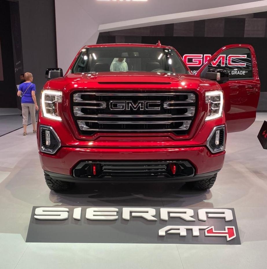 جي ام سي تستعرض اكاديا وسييرا 2020 في معرض دبي الدولي للسيارات